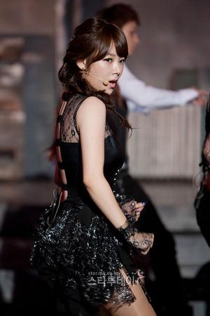 20111117_mcd_tara_soyeon_12